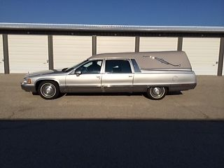 1993 Cadillac Fleetwood M&M Hearse Funeral Coach Miller Meteor 5.7L Engine for sale