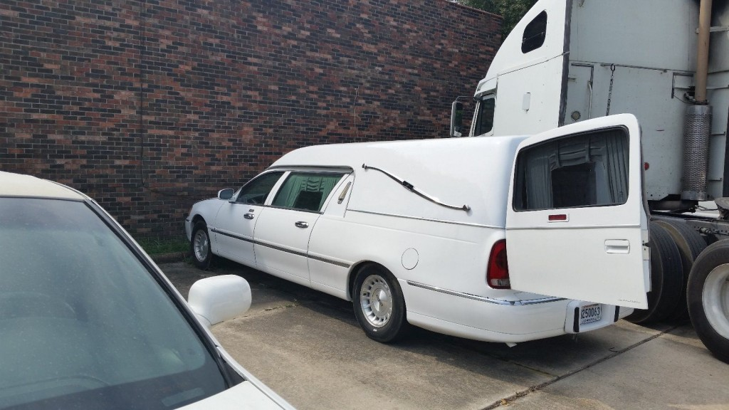 1999 Lincoln Town Car Hearse For Sale