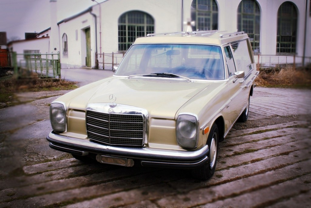 1972 mercedes benz 250 funeral coach hearse w115 for sale for Used mercedes benz hearse for sale