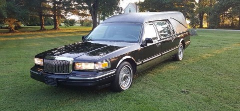 1997 Lincoln Town Car Hearse Eagle Funeral Coach for sale