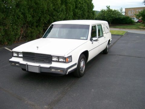 Excellent condition 1986 Cadillac Fleetwood HEARSE for sale