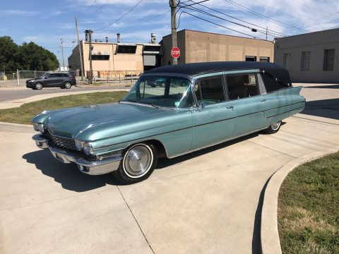 newer paint 1960 Cadillac Hess & Eisenhart Hearse for sale