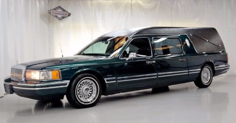 Well maintained 1994 Lincoln Town Car S&S Coach Hearse for sale