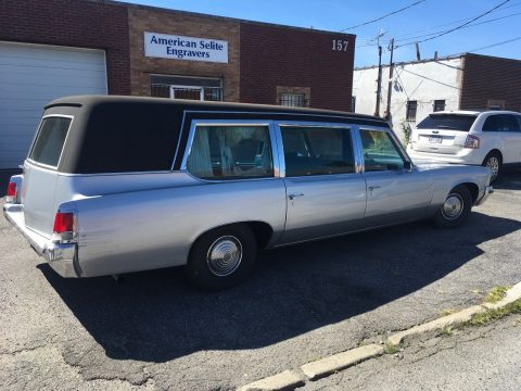rare 1972 Pontiac Bonneville Superior hearse for sale