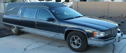 converted to seat 6 people 1996 Cadillac FLEETWOOD hearse for sale