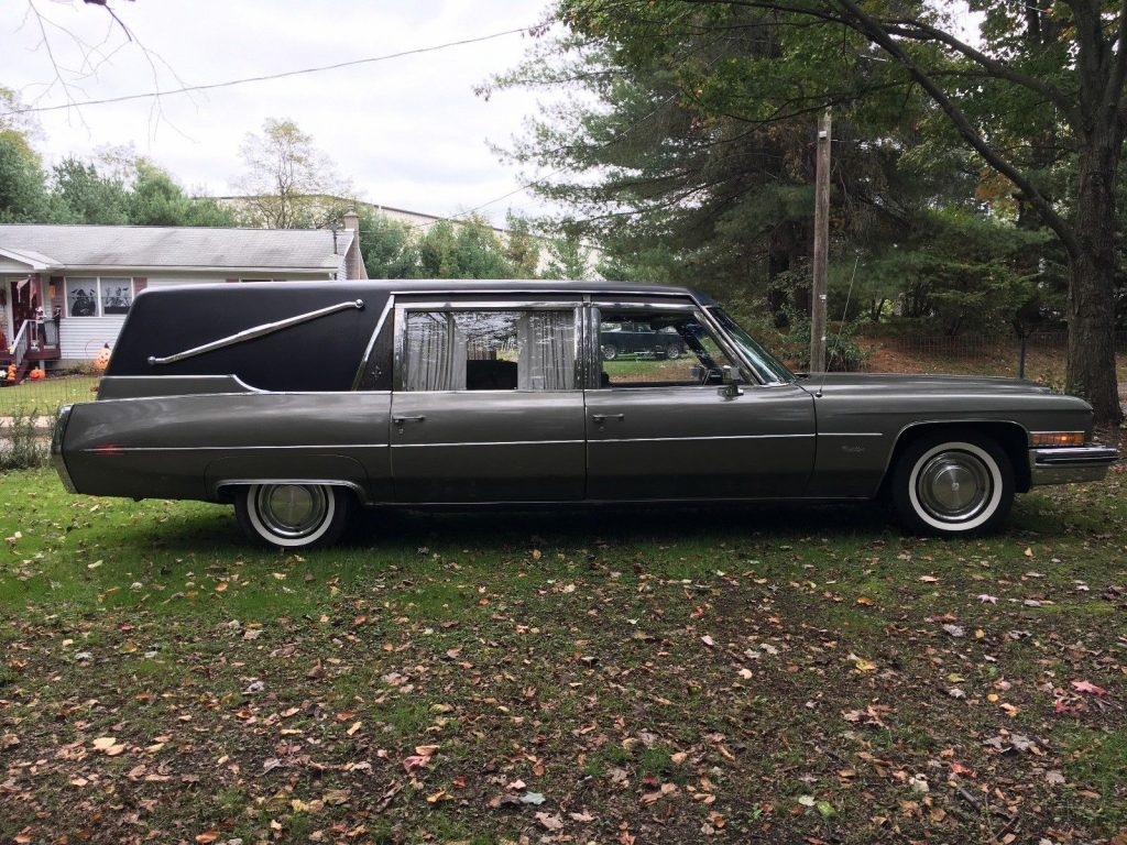 minor damage 1973 Cadillac Superior Hearse