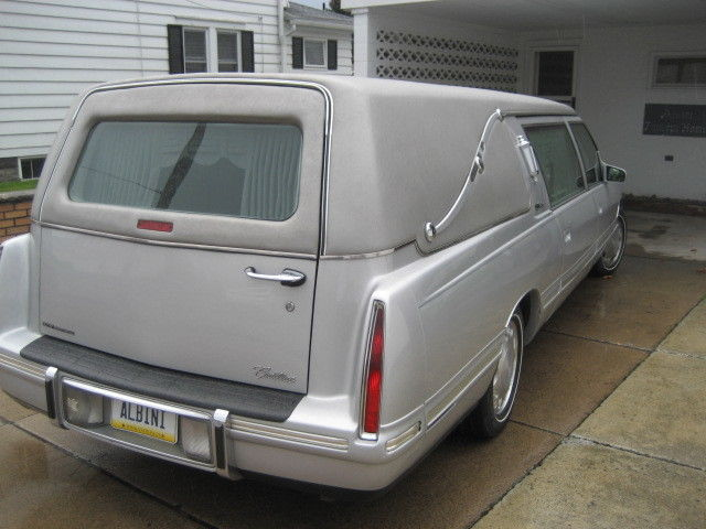 excellent condition 1999 Cadillac S&S Hearse