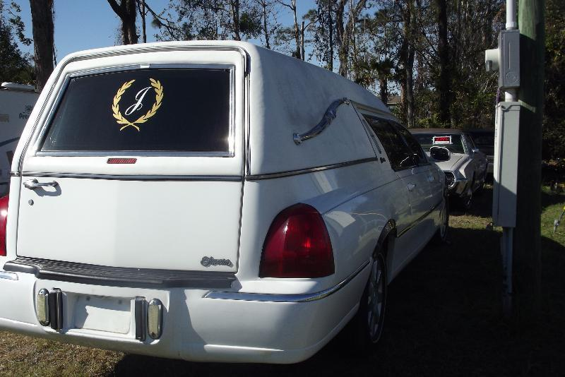 serviced and garaged 2001 Lincoln Town Car Hearse