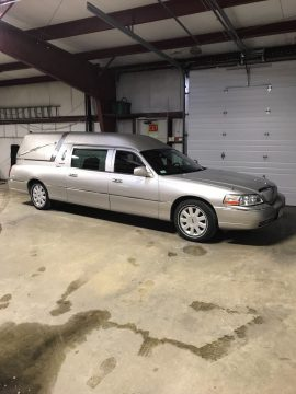 low miles 2005 Lincoln Town Car Hearse for sale