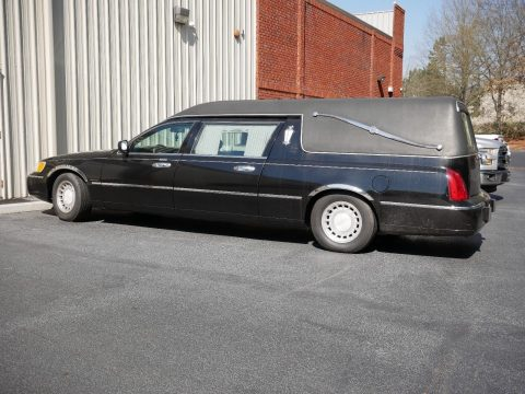good running 2000 Lincoln Town Car hearse for sale