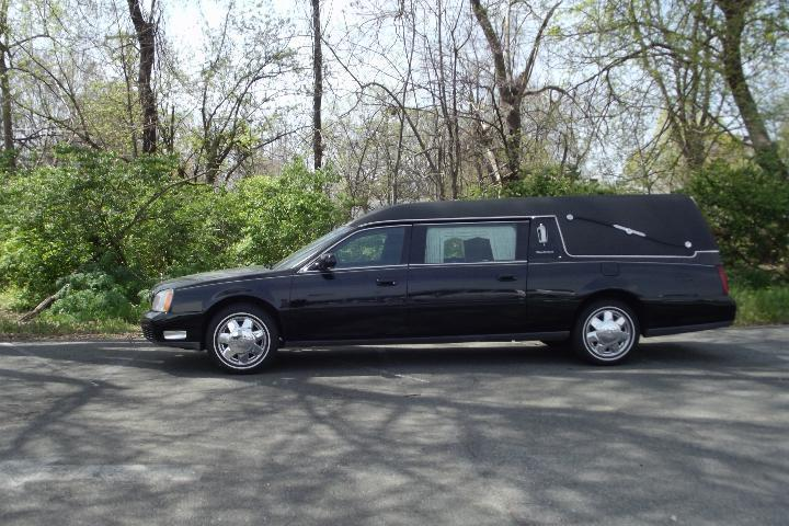 excellent Condition 2002 Cadillac Deville S&S Hearse