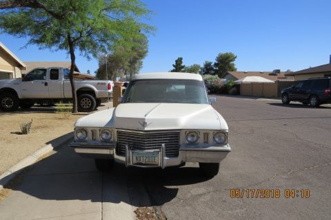 coffin extra 1972 Cadillac Commercial Chassis hearse for sale