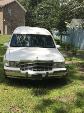 brand new paint 1996 Cadillac S&S Masterpiece Hearse for sale