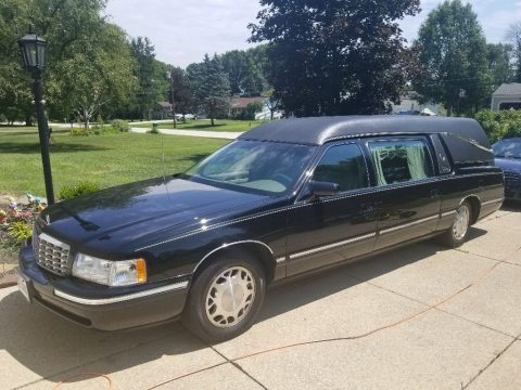 great shape 1999 Cadillac Deville hearse for sale
