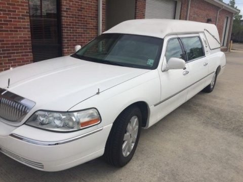 great shape 2003 Lincoln Town Car hearse for sale