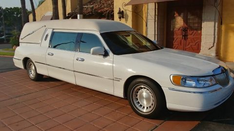 reliable 2000 Cadillac Fleetwood Eureka hearse for sale