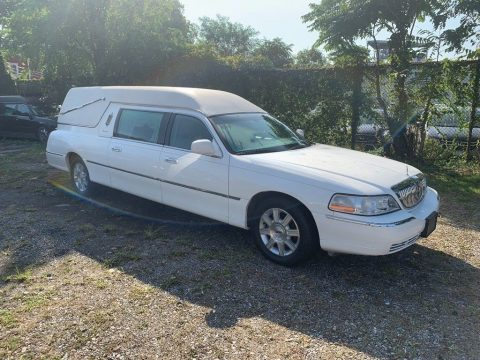 2007 Lincoln Town Car hearse for sale