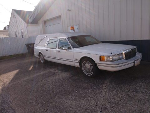 solid 1991 Lincoln Town Car Executive hearse for sale