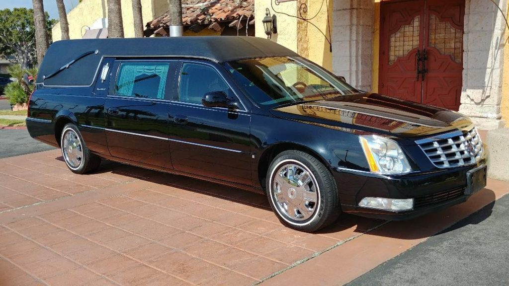 very clean 2006 Cadillac Fleetwood  S&S Hearse
