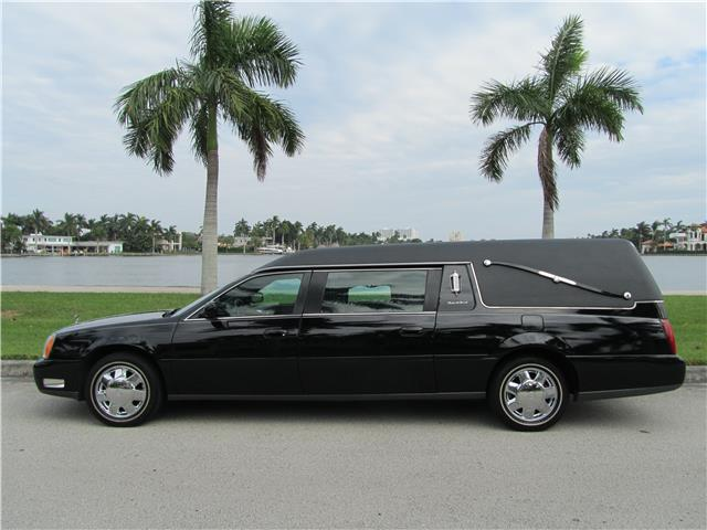 low miles 2004 Cadillac Deville Funeral Coach Hearse