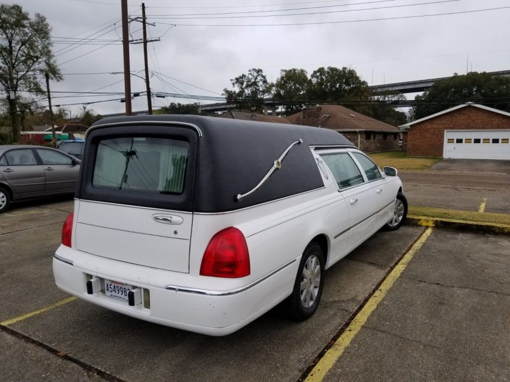 rust free 2004 Lincoln Town Car Hearse for sale