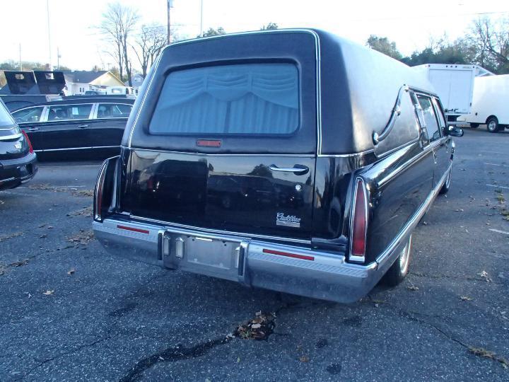 very nice 1996 Cadillac Fleetwood Hearse