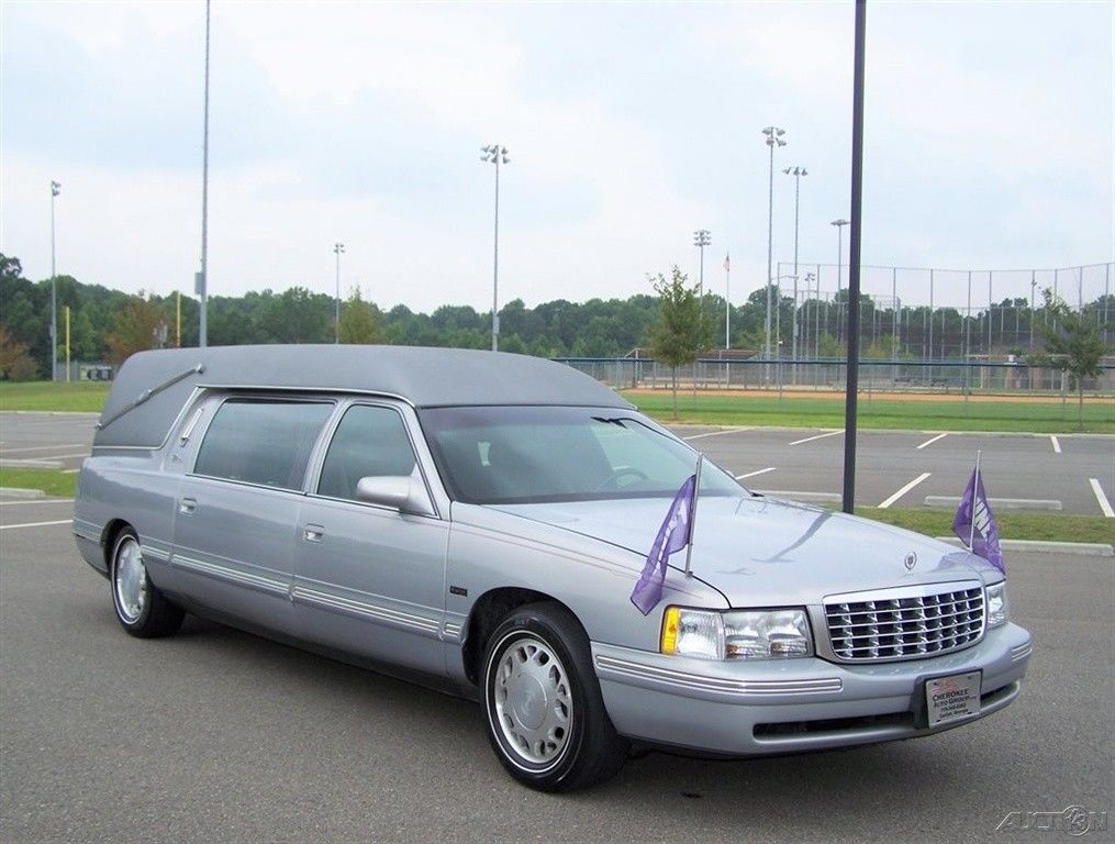 low miles 1997 Cadillac Deville Hearse