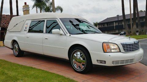 beautiful 2002 Cadillac S&S MATERPIECE hearse for sale