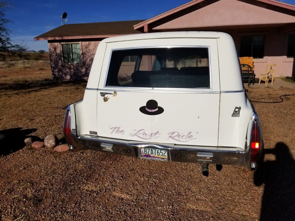 custom paint 1971 Cadillac Superior Hearse