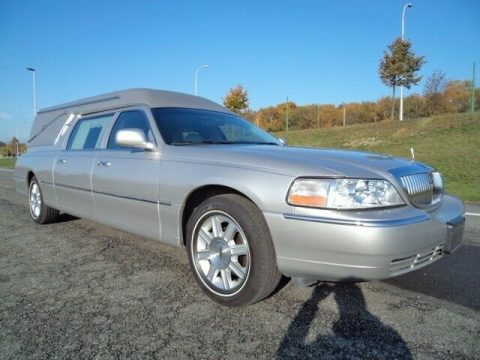 low miles 2007 Lincoln Town Car hearse for sale