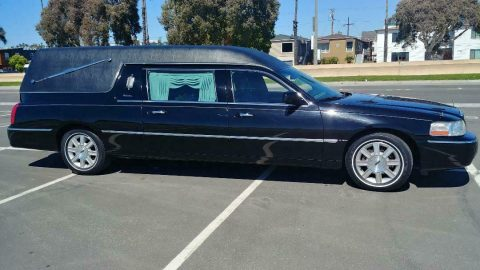 very nice 2007 Lincoln Eureka COACH hearse for sale