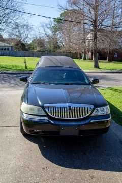 rust free 2006 Lincoln Town Car Hearse for sale