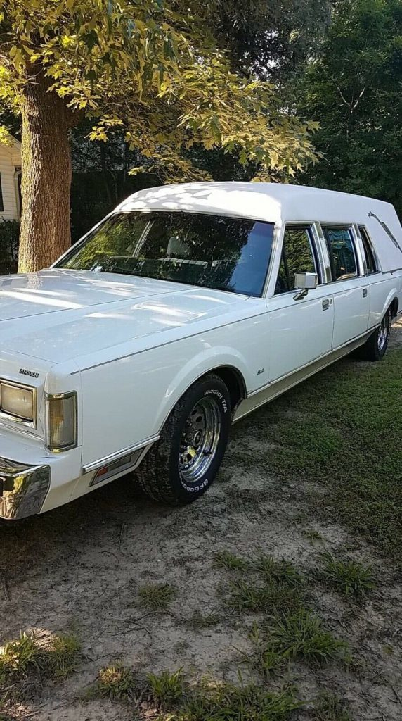 low miles 1988 Lincoln Town Car hearse