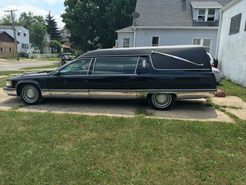 low miles 1995 Cadillac Fleetwood Hearse