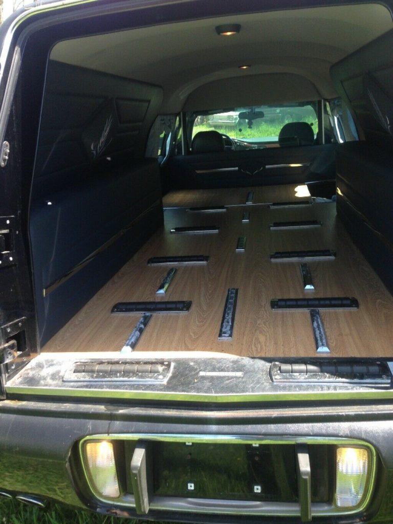 low miles 2000 Cadillac Fleetwood hearse