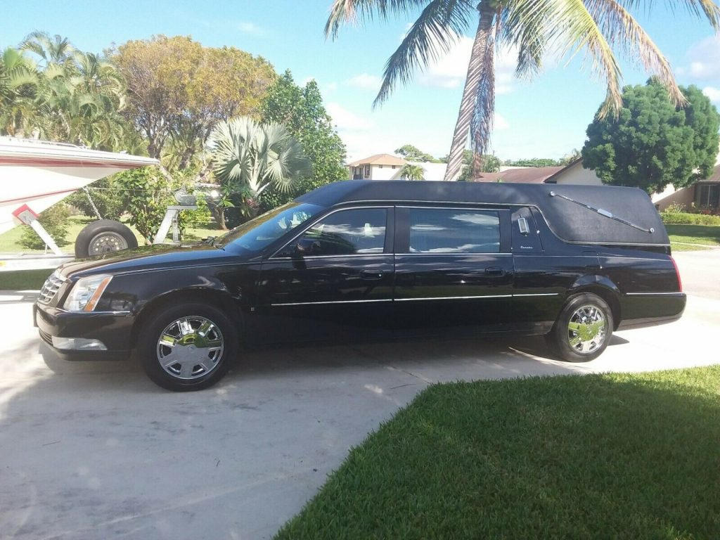 mint shape 2006 Cadillac DTS hearse