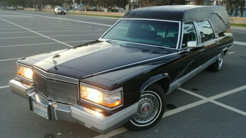 nice 1991 Cadillac Fleetwood hearse for sale