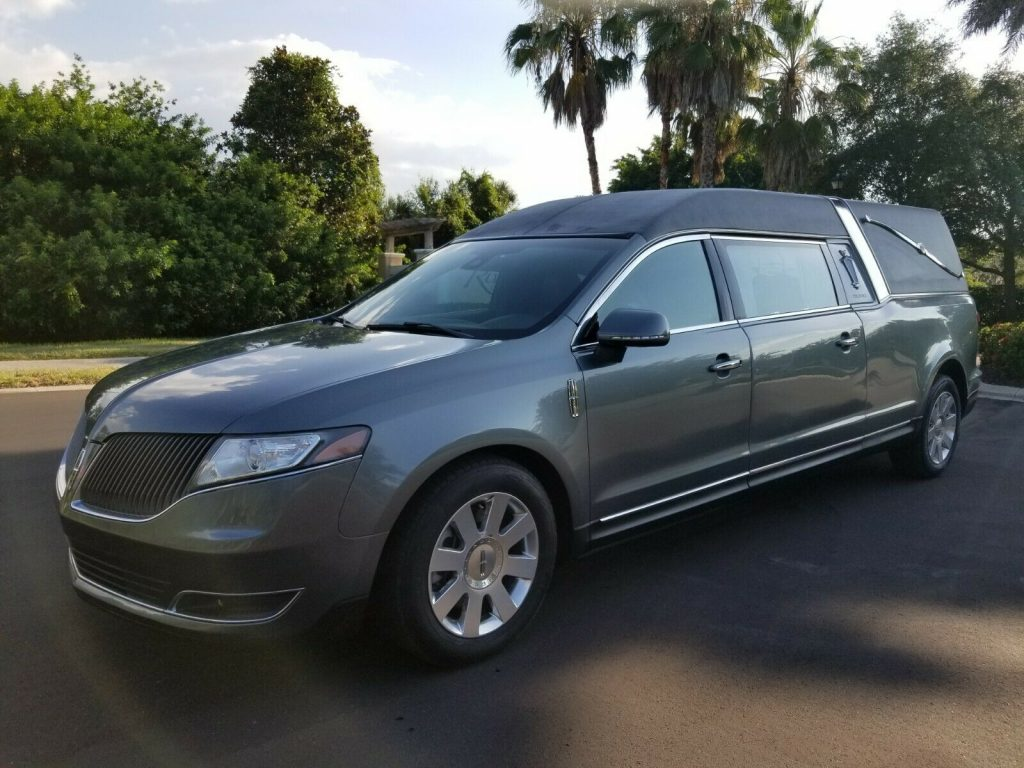 all wheel drive 2013 Lincoln MKT Hearse