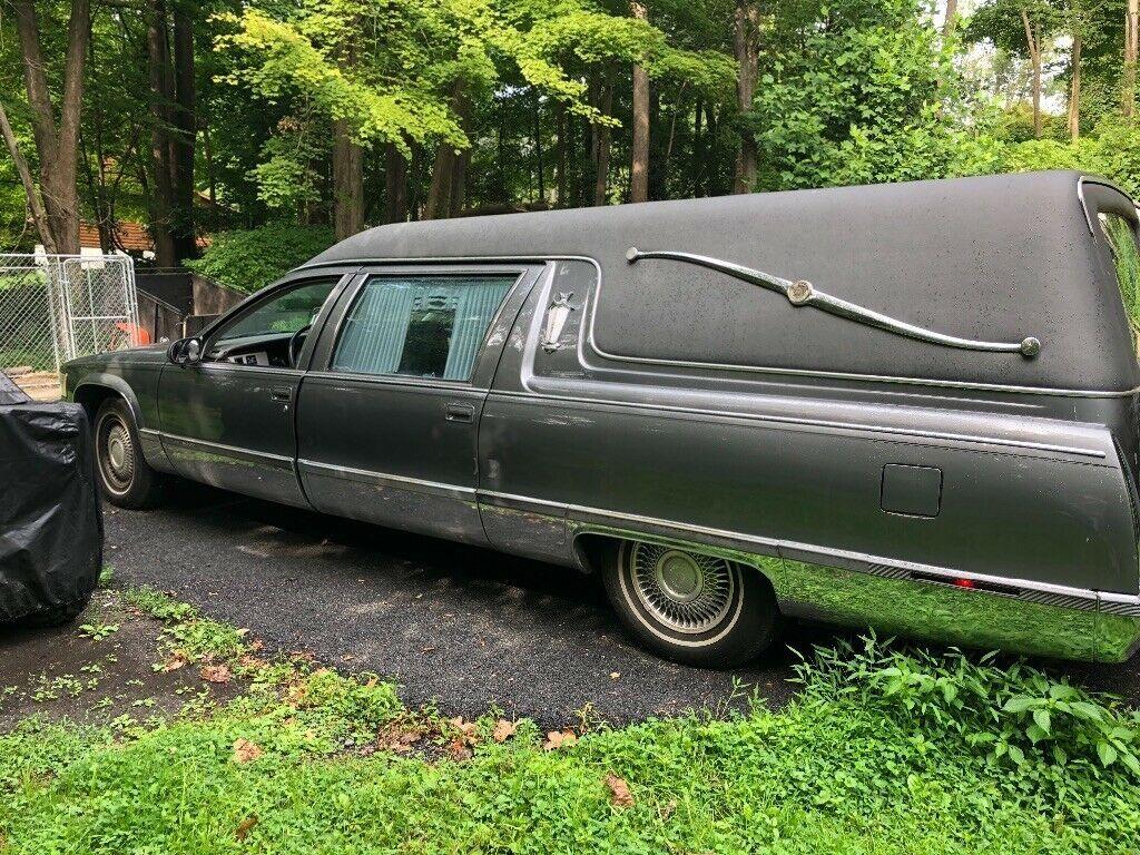 great running 1996 Cadillac Fleetwood hearse