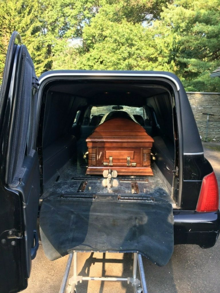 Needs a little TLC 2001 Cadillac Deville Wagon Hearse