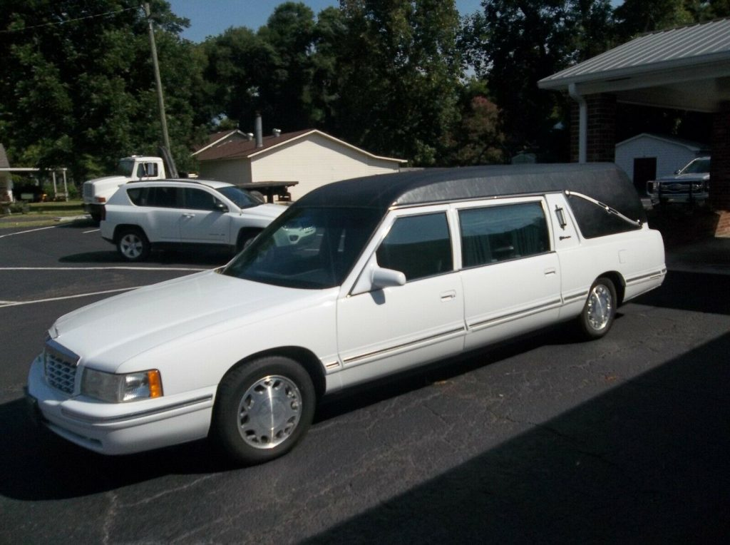 very well maintained 1999 Cadillac Hearse