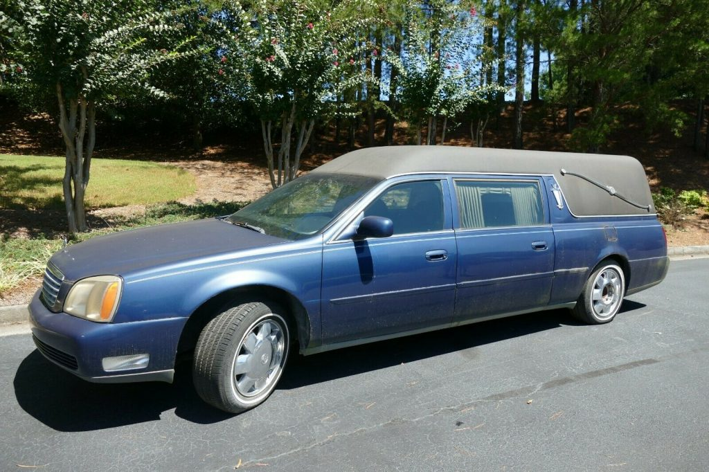 needs attention 2000 Cadillac DeVille hearse