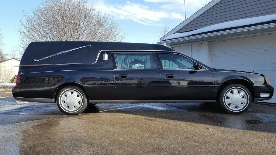 great shape 2000 Cadillac Deville Funeral Coach hearse