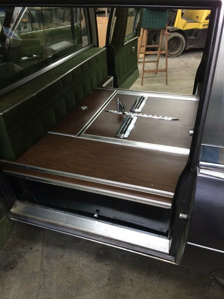 vintage classic 1975 Cadillac Fleetwood Miller Meteor Hearse